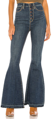 Free People Irreplaceable Flare Jean. - size 24 (also