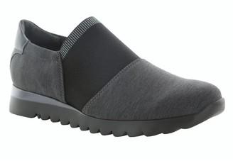 Munro American KJ Slip-On Sneaker