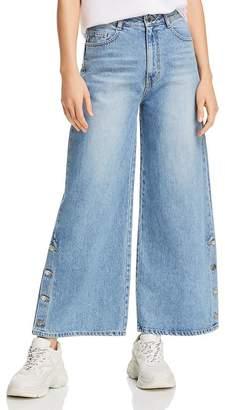 Sjyp Side-Button Wide-Leg Jeans in Denim Blue