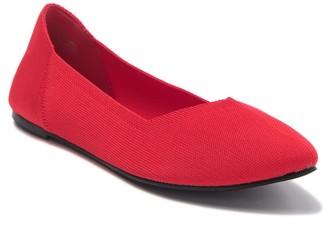 Mia Kerri Pointed Toe Flat