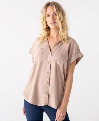 Thread Supply Cut Back Double Front Pocket Button Down Shirt