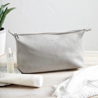 The White Company Pebblegrain Leather Wash Bag, Grey, One Size
