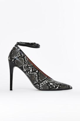 Wallis **Black Point High Heel Court Shoe