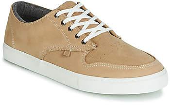 7ace64128c15b TOPAZ C3 men's Shoes (Trainers) in Beige
