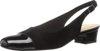 Trotters Women's DEA Slingback Black Pump 6.5 W