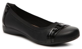 Clarks Kinzie Light Flat