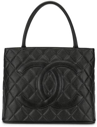 Chanel Pre-Owned Medallion quilted tote