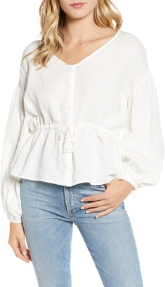Cupcakes And Cashmere Jada V-Neck Balloon Sleeve Peasant Blouse
