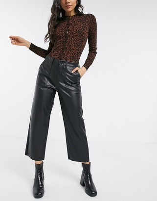 Vero Moda pants in faux leather