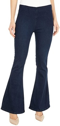 Rock and Roll Cowgirl High-Rise Pull-On Flare in Dark Wash W1P6101 (Dark Wash) Women's Jeans