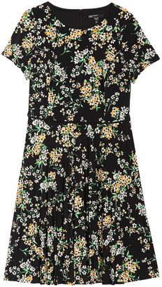 Maggy London Floral Short Sleeve Pleated Dress (Plus Size)