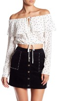 Honey Punch Off-the-Shoulder Star Print Cropped Blouse