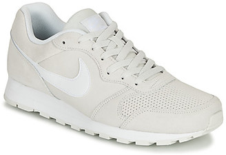 Nike MD RUNNER 2 SUEDE men's Shoes (Trainers) in Grey