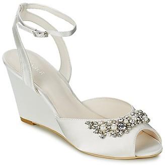 Menbur ESTHER women's Sandals in White