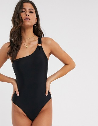 Accessorize one shoulder swimsuit in black
