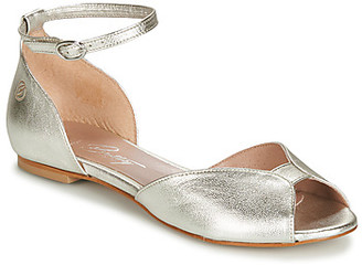 Betty London INALI women's Sandals in Silver