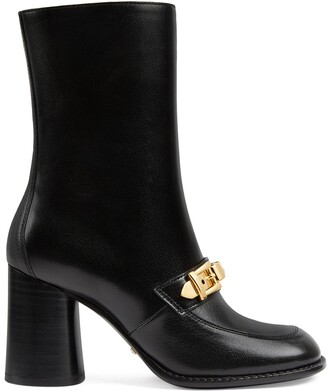 Gucci Women's ankle boot with chain