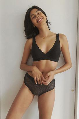 Sloggi Zero Feel Lace Bralette By in Black Size XS