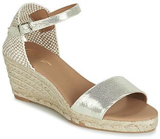 Betty London JAYOU women's Sandals in Gold