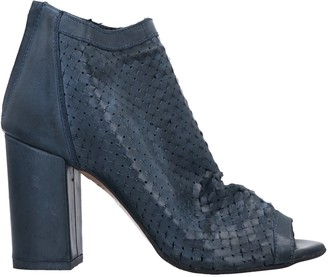 NOA A. Ankle boots