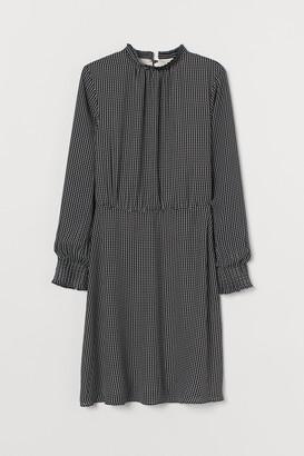 H&M Pleated-collar Dress