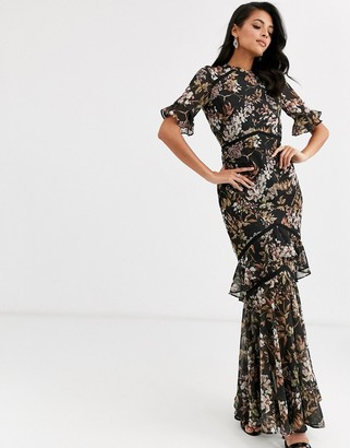 Hope & Ivy flutter sleeve maxi dress with tiered skirt hem in navy floral print-Multi