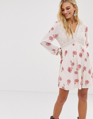 En Creme swing dress with lace plunge front in vintage floral