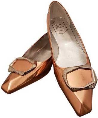 Roger Vivier Gold Patent leather Ballet flats