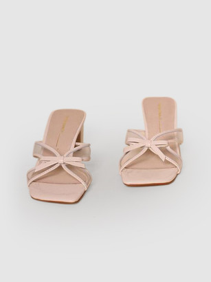 INTENTIONALLY BLANK 29 Bow Tie Sandal