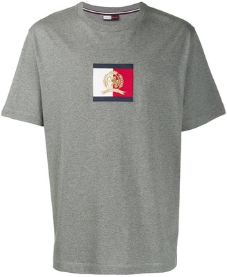 Tommy Hilfiger logo patch T-shirt