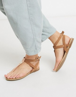 Call it SPRING charnleigh toe thong strappy flat sandals in light pink