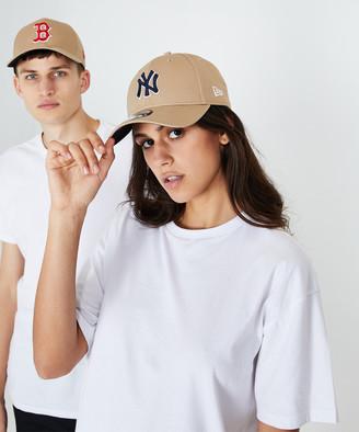 New Era 9Forty New York Yankees Curvepeak Cap Camel/Navy