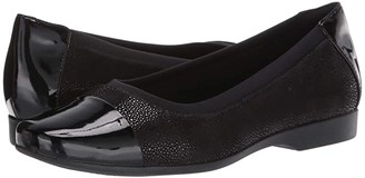 Clarks Un Darcey Cap (Navy Nubuck/Leather Combination) Women's Shoes