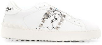 Valentino Garavani kiss print lace-up sneakers