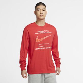 Nike Men's Long-Sleeve T-Shirt Sportswear