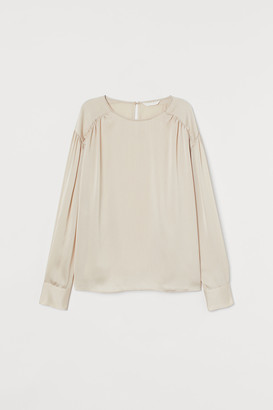 H&M Batwing-sleeved blouse