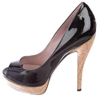 0fc794ab421 Gucci Black Patent Leather Pumps - ShopStyle