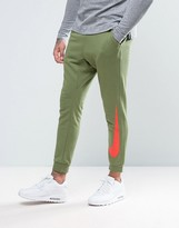 Nike Cuffed Joggers In Slim Fit In Green 831816-387