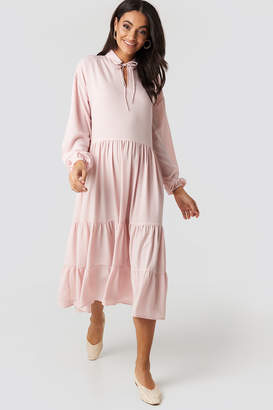 NA-KD Tiered Detail Balloon Sleeve Dress Pink