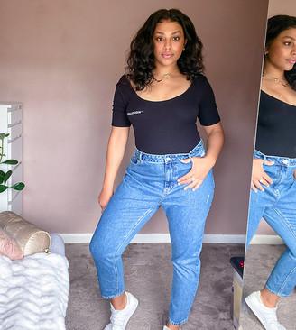 Vero Moda Curve mom jeans in medium blue