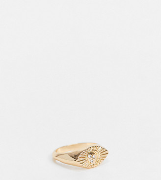 Reclaimed Vintage inspired the moon and star signet ring in gold
