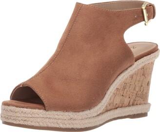 Zigi Women's Ivanna Wedge Sandal Tan 8.5 Medium US