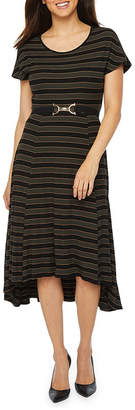 Robbie Bee Short Sleeve Striped Fit & Flare Dress