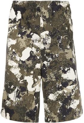 Marcelo Burlon County of Milan Camouflage Print Bermudas