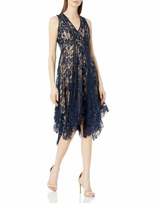 Gabby Skye Women's Sleeveless V-Neck Seamed Down Rose Lace Dress