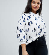 Asos DESIGN Curve Cropped Shirt In Abstract Mono Print