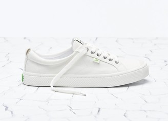 Cariuma OCA Low Off White Canvas Sneaker Men