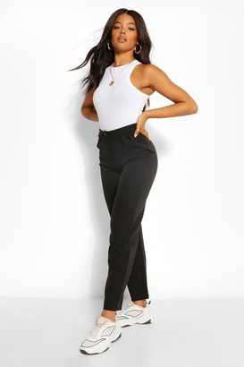 boohoo Tailored Pleat Detail Relaxed Trouser