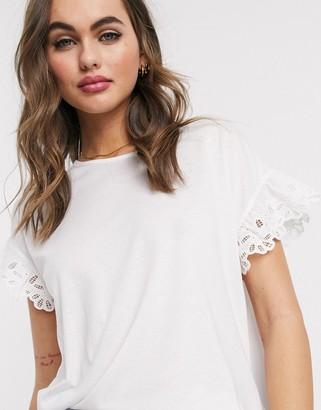New Look crochet trim sleeve tee in white