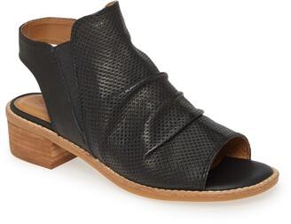 Comfortiva Belen Slingback Sandal